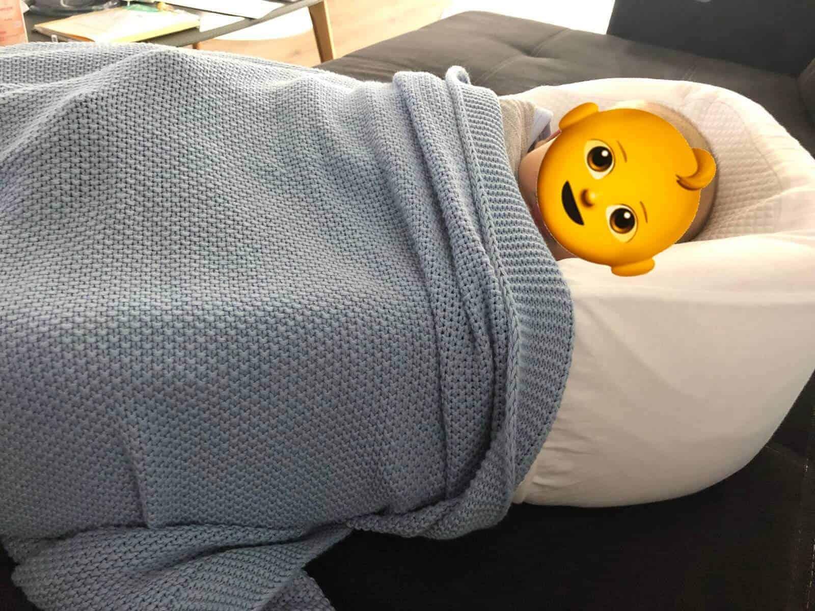 Die COCOONaBABY Babymatratze dient auch Nachts zum Schlafen