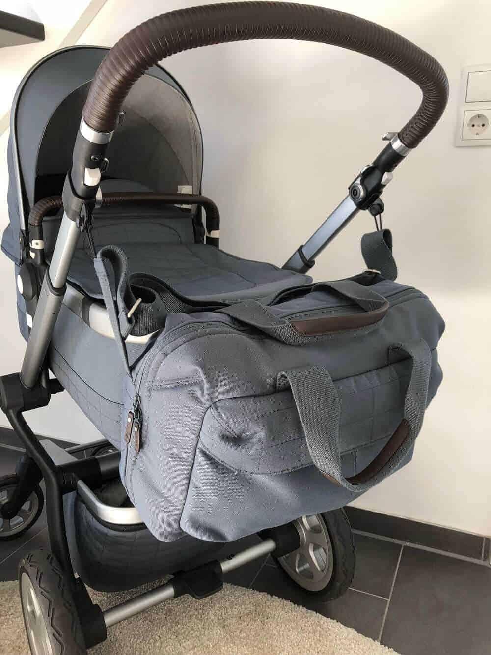 Wickeltasche für Kinderwagen mit passender Befestigung