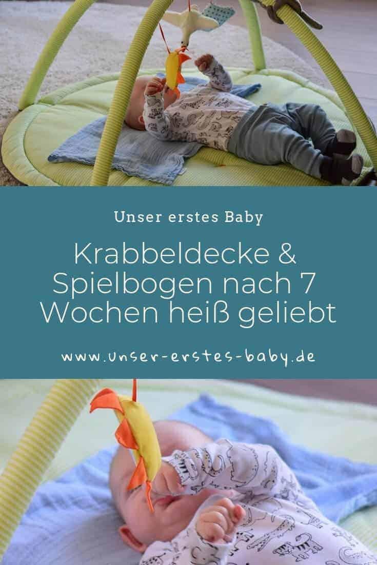Krabbeldecke & Spielbogen nach sieben Wochen interessant - Baby lernt seine Sinne kennen
