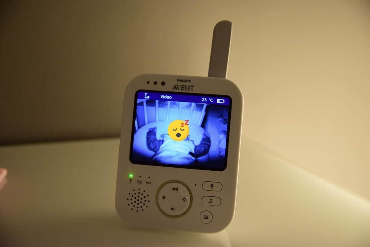 Das Philips Avent Babyphone verfügt über eine super Nachtsicht, so dass man alles erkennen kann #Babyphone #Babyfon #Nachtsicht #Babyschläft #schlafendesBaby