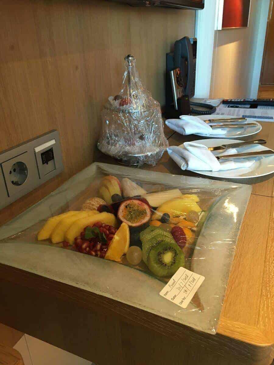 Wir wurden netterweise mit Früchten auf der AIDAperla Kreuzfahrt begrüßt