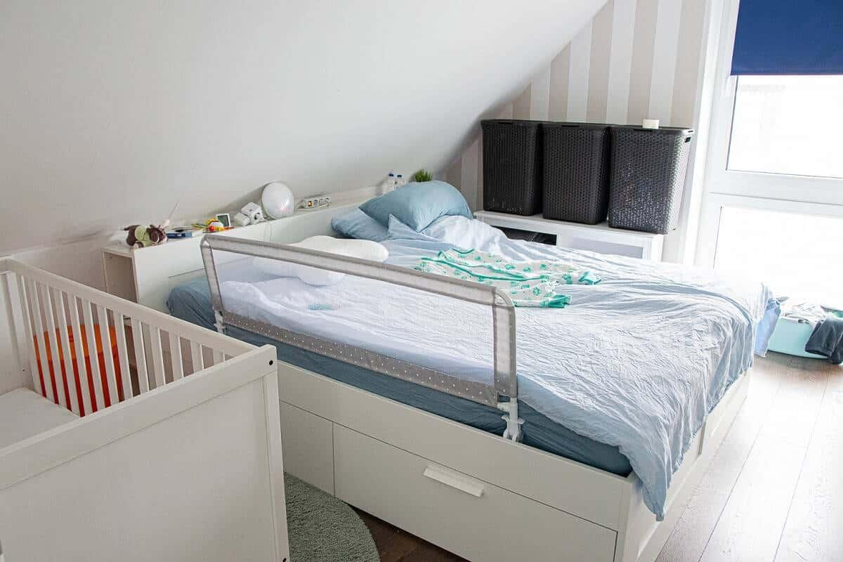 In unser Schlafzimmer ist ein Baby eingezogen - und das sieht man auch ;-)
