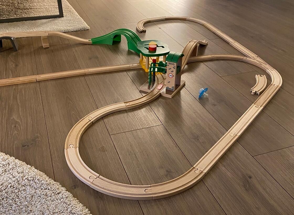 Eisenbahn aus Holz für Kinder - Unsere Erfahrungen und Tipps zur Auswahl des richtigen Zubehörs findest Du hier