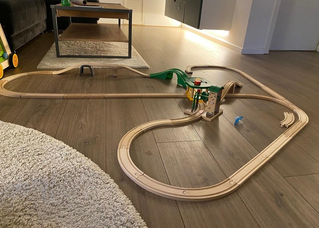 Holzeisenbahn ab 1 Jahr - Wir haben eine Eichhorn Holzeisenbahn für unser Kind und erweitern diese seit fast zwei Jahren stetig um Zubehör - endloser Spielspaß