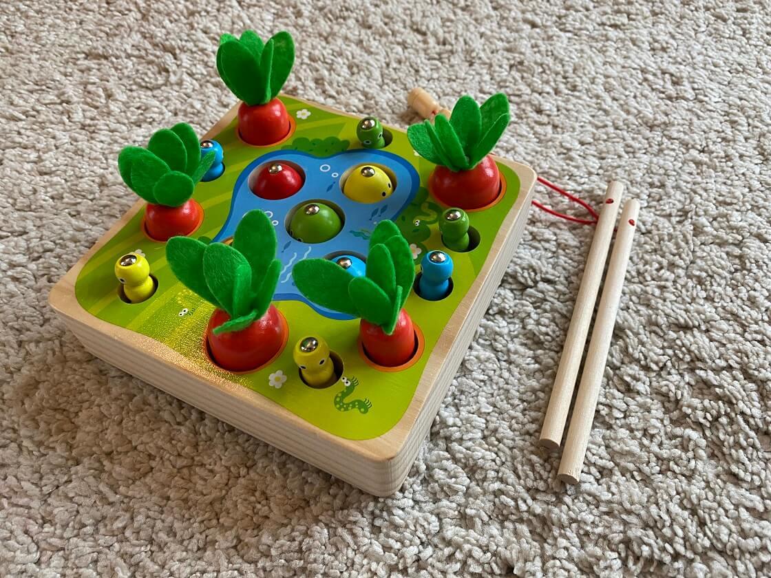 Montessori Spielzeug ab 1 - Ein Angel- bzw. Sortierspiel mit unterschiedlichen Größen trainiert die Motorik und das Denkvermögen der kleinen Kinder