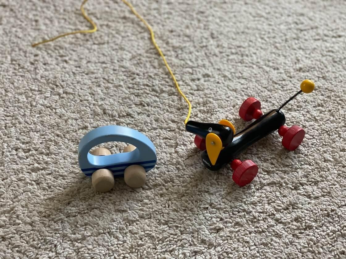 Nachzielspielzeug ist ein tolles Lernspielzeug ab 1 Jahr, da es die Kinder zur Bewegung animiert und damit die Grobmotorik fördert
