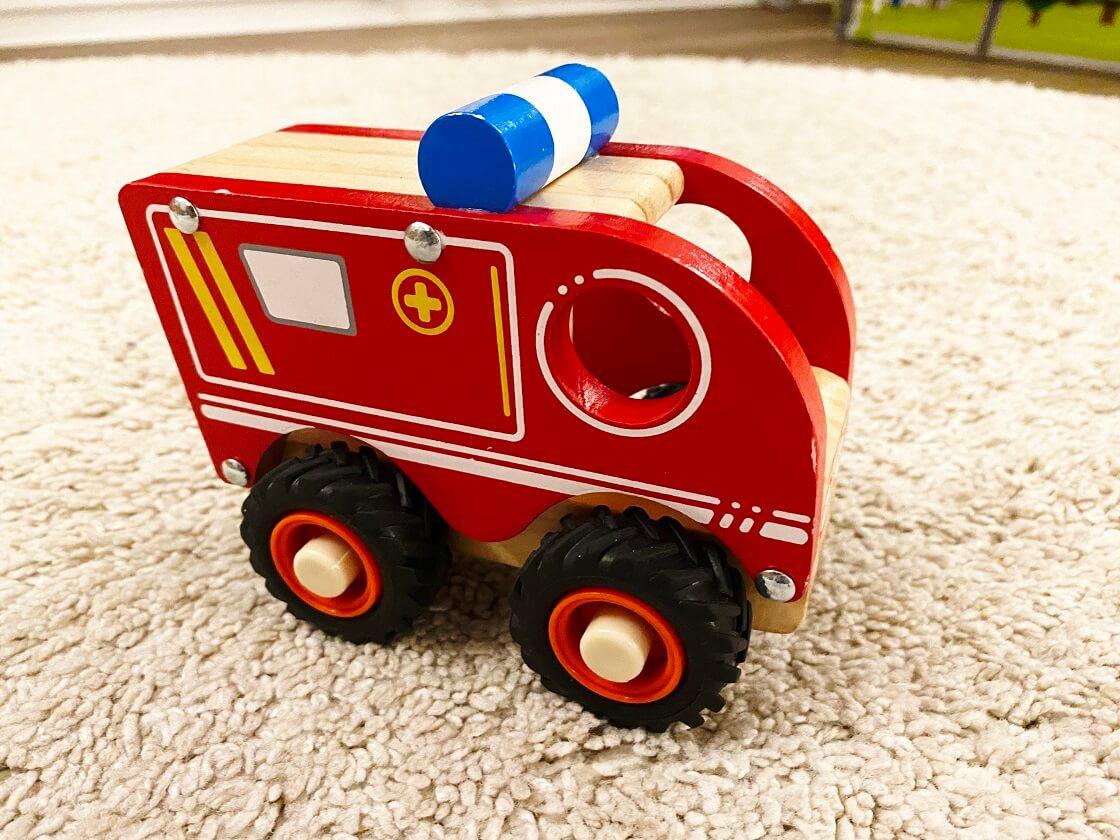 Spielzeugauto Kind 1 Jahr Holz - Dieser tolle Krankenwagen ist bei unserem Sohn total beliebt zum Spielen
