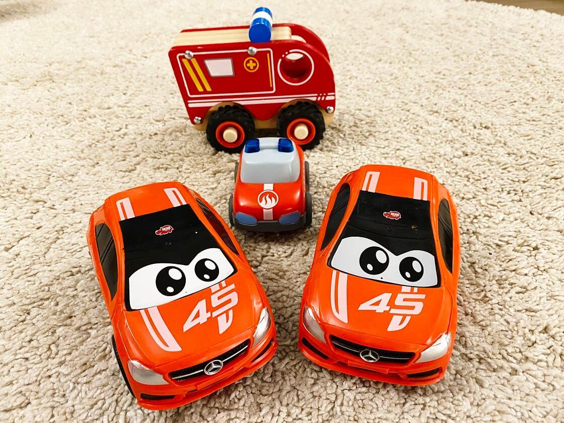 Spielzeugauto ab 1 Jahr - Hier findest Du unsere Erfahrungen mit Kind und Tipps zur Auswahl des richtigen Spielzeugautos