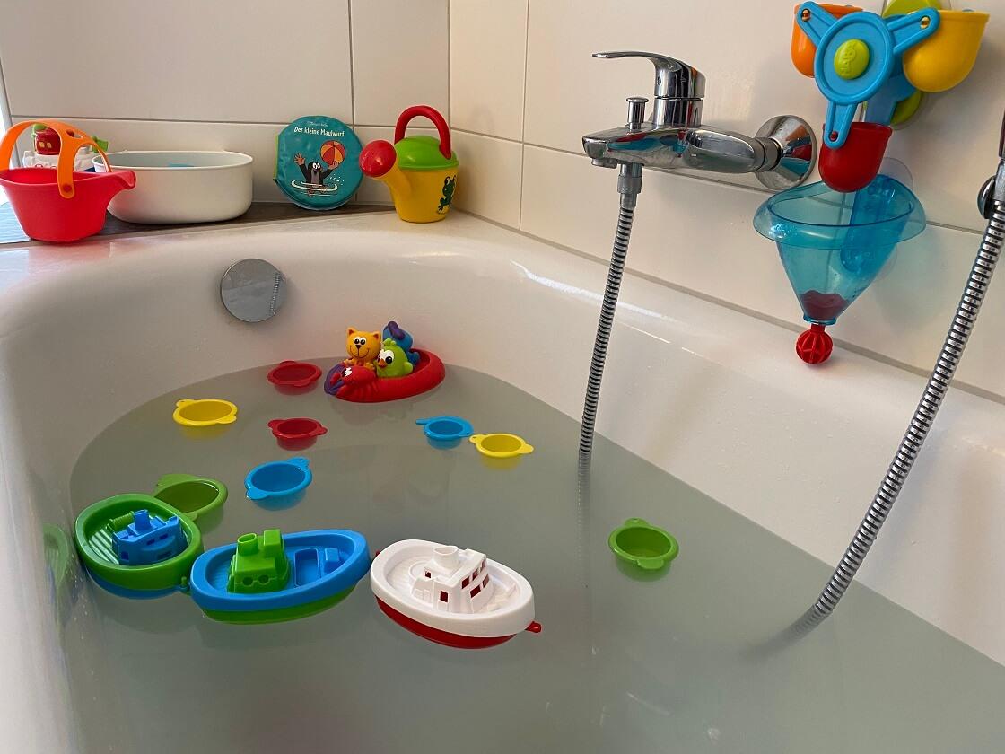 Badewannenspielzeug ab 1 Jahr - Wir haben verschiedene Spielsachen für die Badewanne für unser Kind ausprobiert - Hier liest Du unsere Erfahrungen