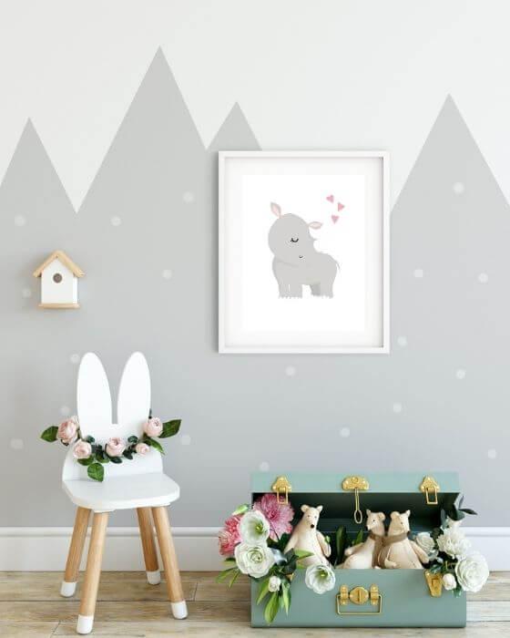Kinderzimmer Poster - Nashorn auf weißem Hintergrund in einem schlichten Bilderrahmen in weiß mit breitem Seitenrand, ein tolles Motiv für deinen Nachwuchs