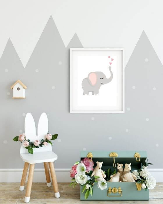 Das perfekte Poster für Babyzimmer: Bezaubernders Elefanten-Motiv im weißen Rahmen mit Seitenrand eingebettet