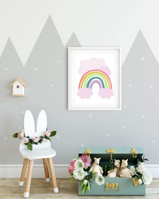 Regenbogen-Poster mit rosa Wolken in weißem Rahmen mit Seitenrand - Babyzimmer Poster Regenbogen