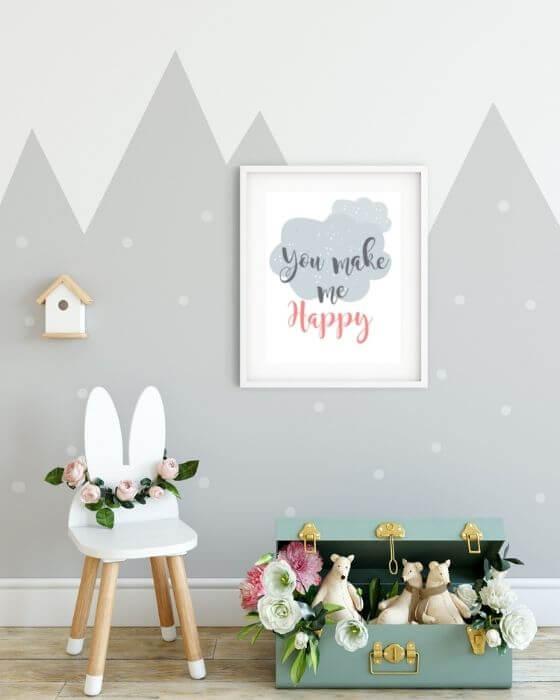 """Kinderzimmer Bilder Schrift - Poster mit """"You make me happy"""" in einem schlichten, weißen Rahmen mit Seitenrand"""