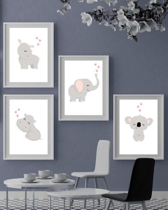 Poster Tiere: Die Tiermotive - bestehend aus Nilpferd, Elefant, Nashorn und Koala - passen in jeden beliebigen Rahmen und sehen auch in bunten Zimmern ganz toll aus