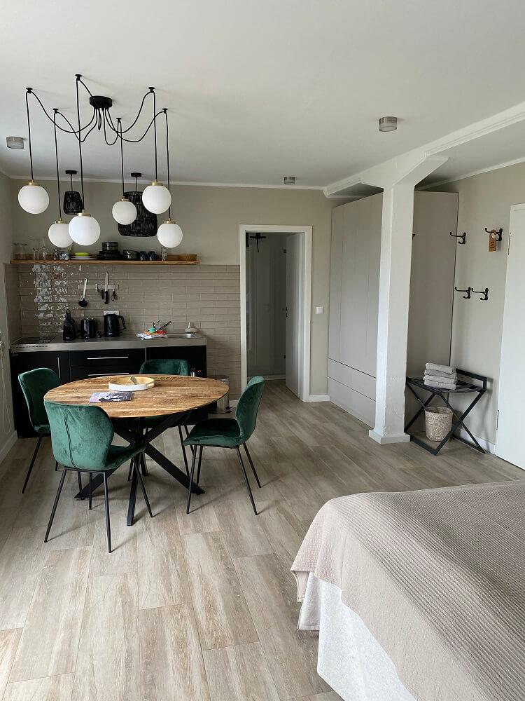 Das Hotelzimmer auf im Hotel Landliebe auf Föhr ist modern und sehr geschmackvoll eingerichtet, wir waren sofort verliebt