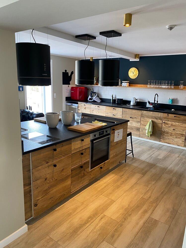 Familienurlaub Nordsee - Die große Gemeinschaftsküche vom Hotel bietet tolle Möglichkeiten zum Kochen und Backen für und mit Kindern