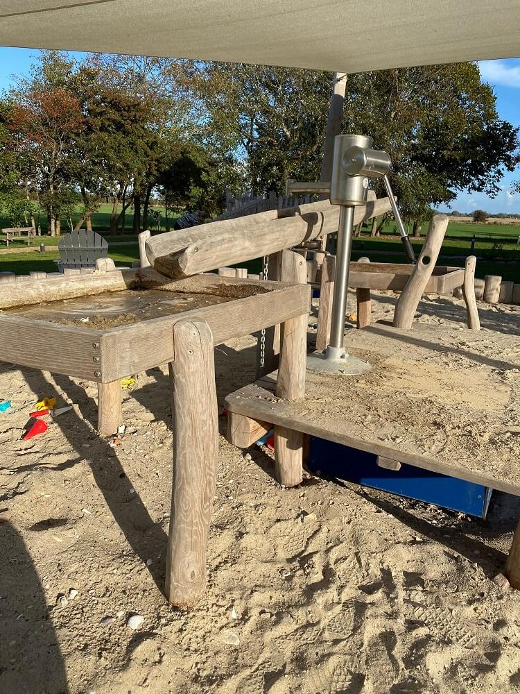 Familienurlaub an der Nordsee - Wir haben die Woche auf Föhr total genossen, die Kleinen hatten viel Platz zum Spielen auf dem Hoteleigenen Spielplatz mit Sandkasten